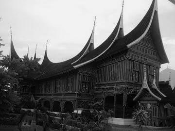 Arsitektur Rumah Gadang courtesy wikipedia
