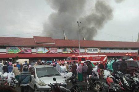Pasar Aua Kuning terbakar