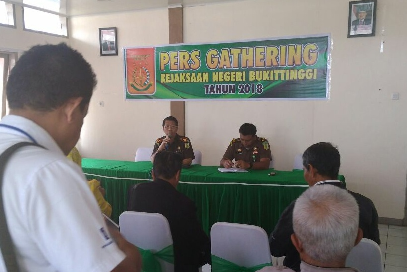 Konferensi Pers Kejaksaan Negeri Bukittinggi Perihal Penatapan Tersangka Korupsi Dana Hibah KONI Bukittinggi