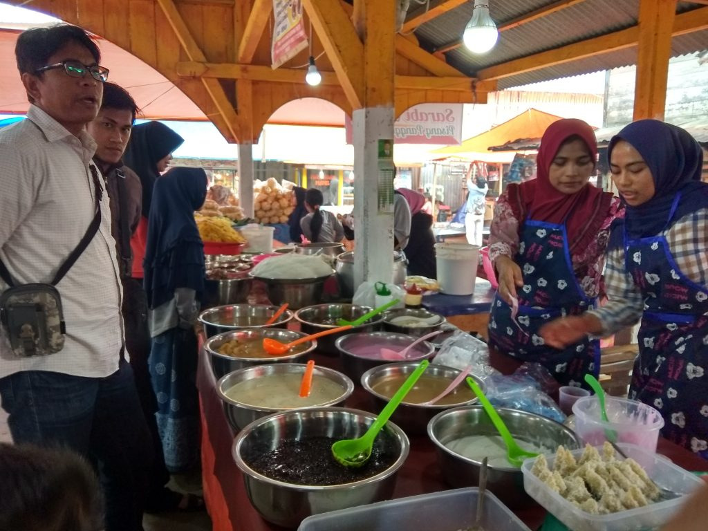 Suasana Pasar Pabukoan - bakaba.co