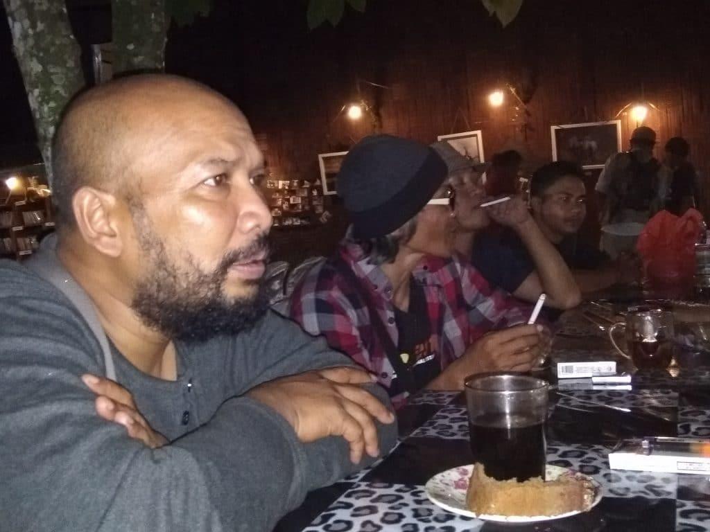 Diskusi Budaya Komunitas Intro - bakaba.co