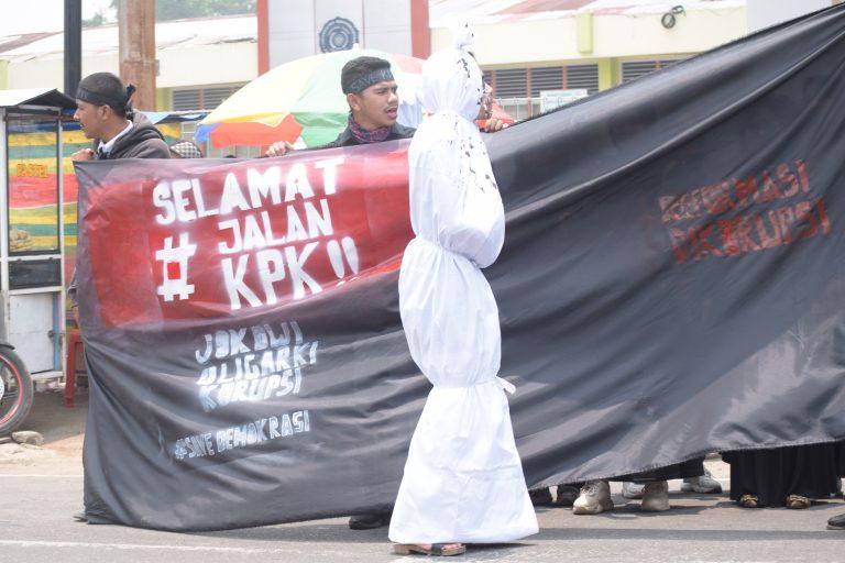 Mahasiswa Muhammadiyah Demo, Prihatin Atas Pelemahan KPK