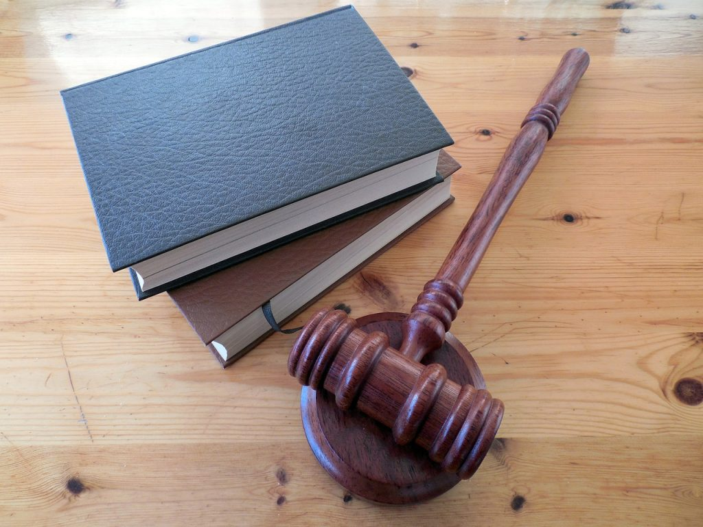 Perda - Books - Legislation - Gambar oleh succo dari Pixabay