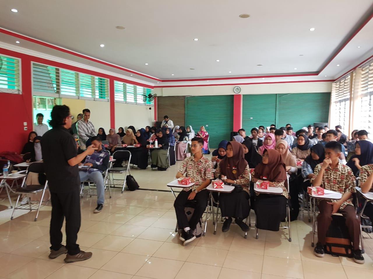 Budaya korup - Diskusi Nanang Farid Syam di UMSB