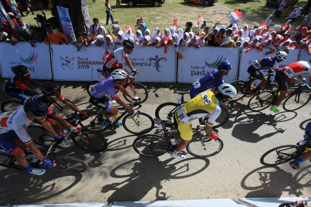 TdS 2019 Pembalap Sepeda Start di Dermaga Singkarak, foto. istimewa