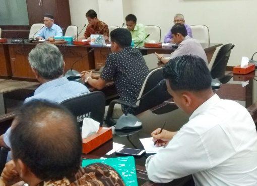 Pedagang Pasar Atas Bukittinggi mengadu ke DPRD Sumbar-bakaba.co