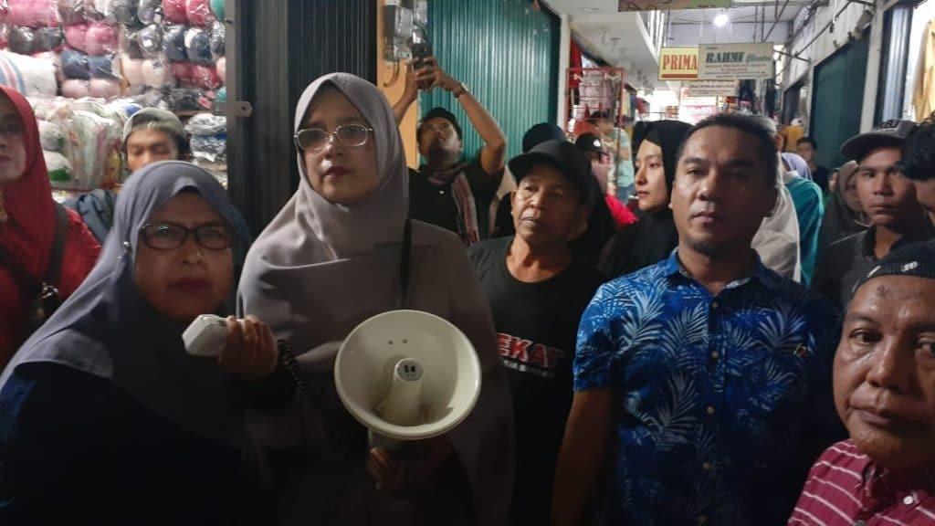 Aksi Pedagang Aua Kuniang - FR/bakaba.co