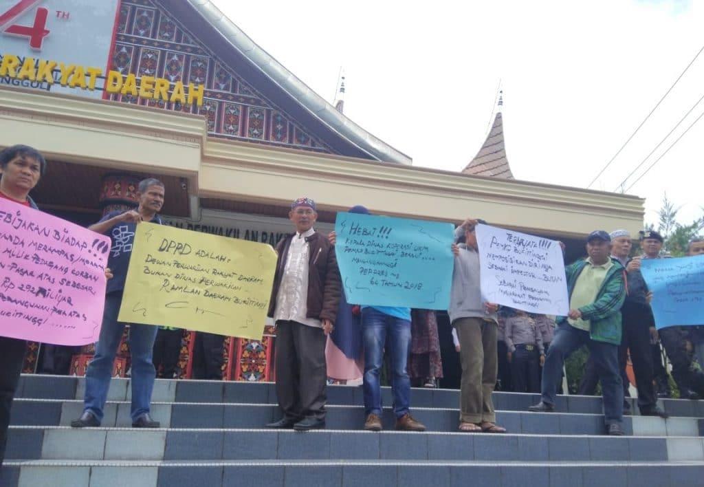 Investor - Demo Pedagang Pasar Atas - bakaba.co