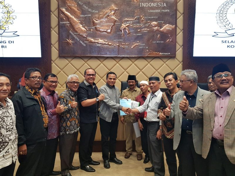 Pimpinan Komisi II DPR-RI bertemu Tim Inisiator Hak Nagari Agamtuo