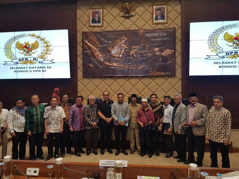 Pimpinan Komisi II dan Tim Inisiator Hak Nagari Agamtuo
