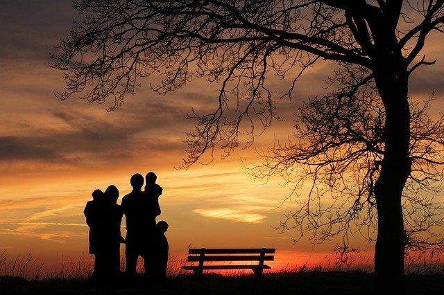 Suami dan keluarga Gambar oleh Gerd Altmann dari Pixabay