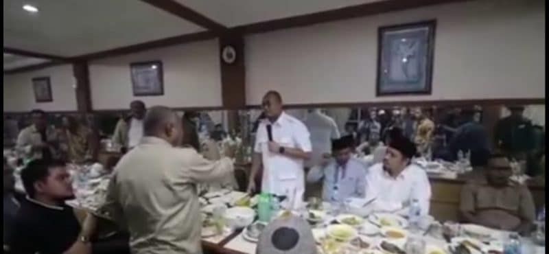 Suasana kisruh di kunjungan Andre Rosiade - caption video - bakaba.co