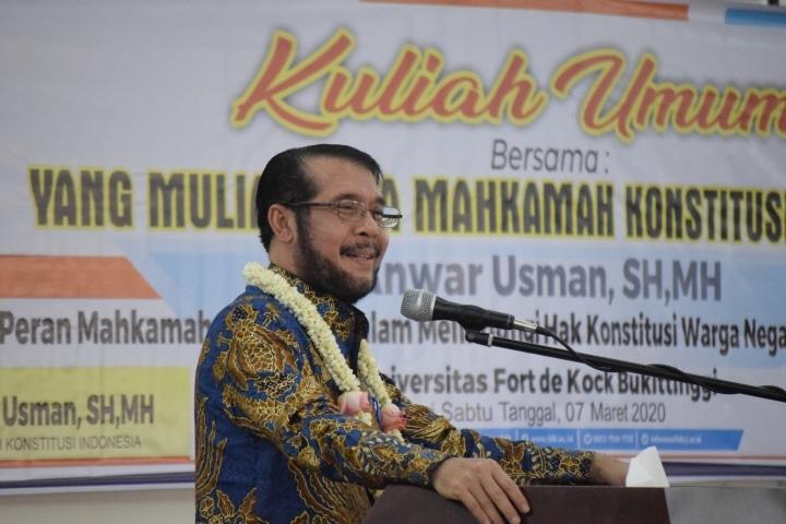 Ketua Mahkamah Konstitusi - Dr. H. Anwar Usman, SH, MH - foto - R - bakaba.co