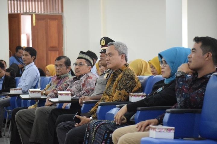 Tamu & Undangan VIP Kuliah Umum Ketua MKRI di Univesitas Fort De Kock - foto - R - bakaba.co