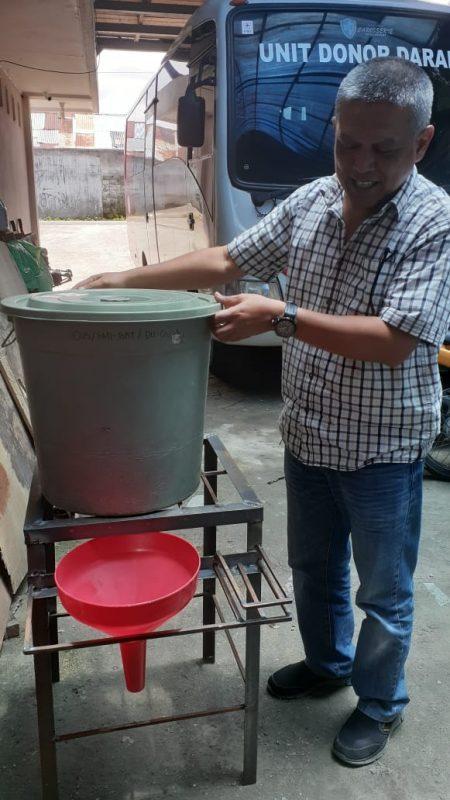 Tempat cuci tangan prakarsa PMI Bukittinggi