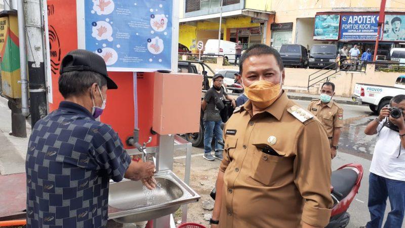 Walikota Bukittinggi menolak diwawancara wartawan bakaba.co - foto - fadhly reza