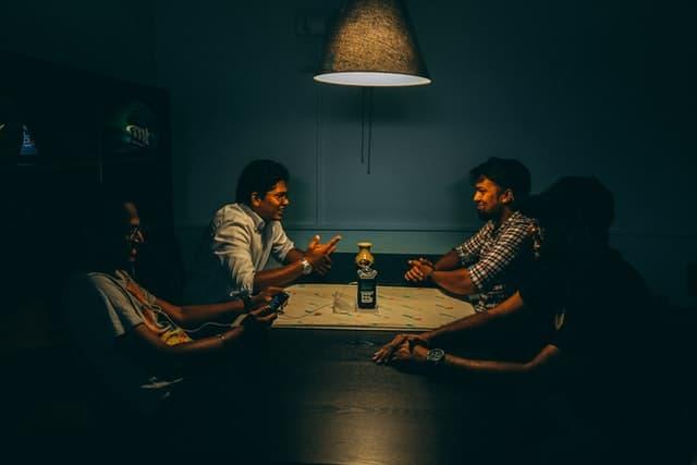 Langgam - gaya komunikasi - Photo by Outcast India on Unsplash
