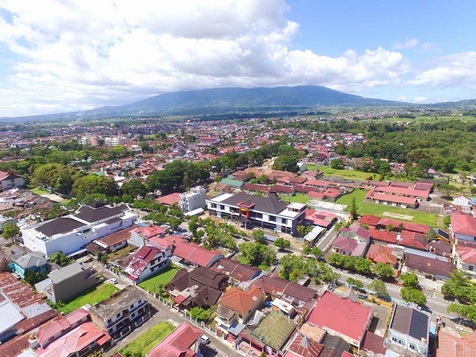 Pariwisata Bukittinggi - Foto Drone Pemandangan Bukittinggi oleh Fadhly Reza