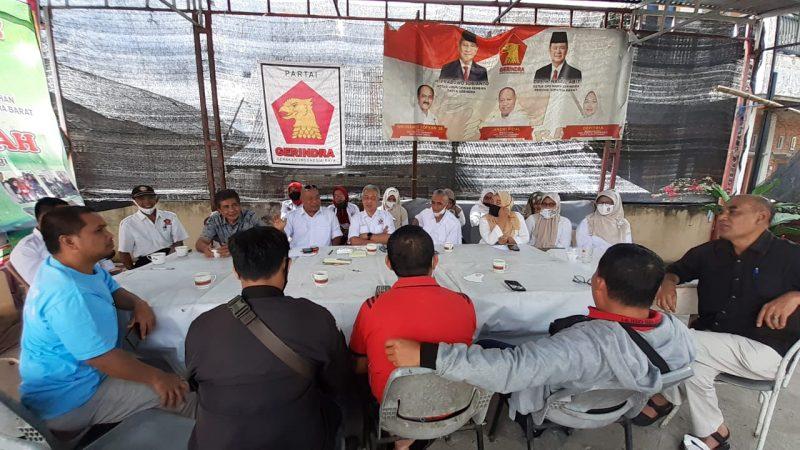 Herman Sofyan dan kader Gerindra Bukittinggi dalam konferensi pers