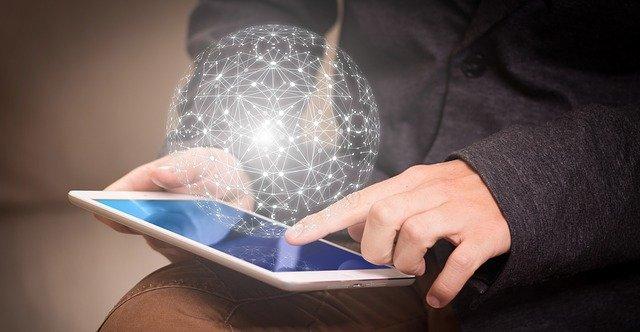 Ilustrasi Pengambilan Keputusan Gambar ICT oleh Gerd Altmann dari Pixabay