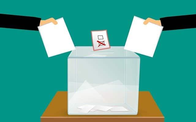 Politik Nasi Bungkus dengan 'Bumbu Dosa'