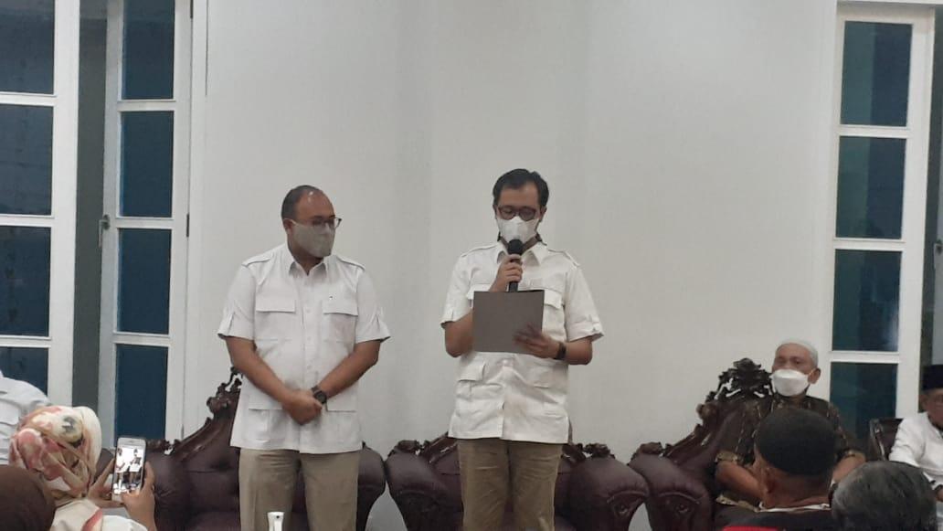 Andre Rosiade & Erman Safar saat pertemuan dengan perwakilan pedagang di Aula Rumah Jabatan Walikota Bukittinggi foto fadhly reza