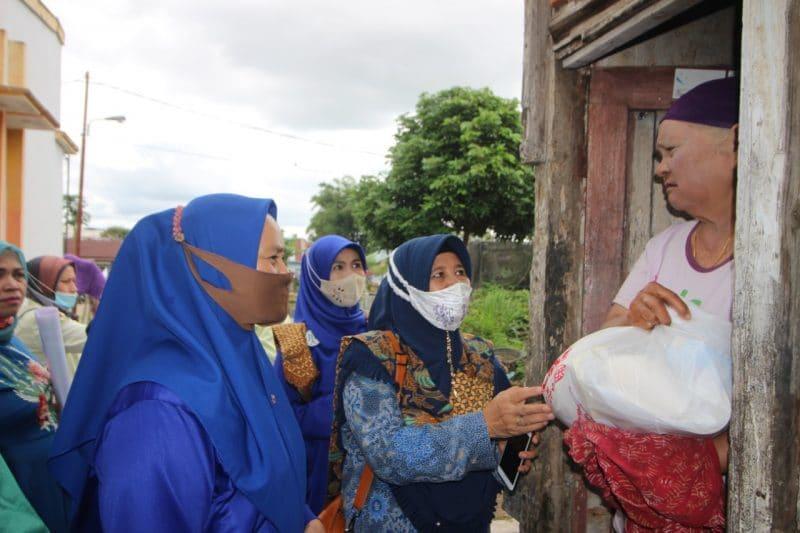 Pengurus & Anggota IKAPRI bantu warga kurang mampu, foto FR